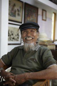 Pimpinan rumah topeng dan wayang stiadarma. Bapak Prayitno